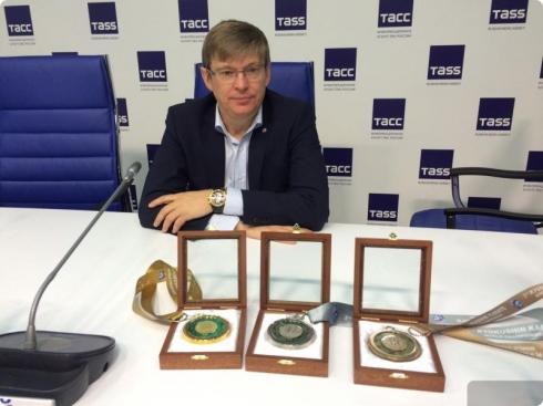 В Екатеринбурге для чемпионата мира по карате-кекусинкай изготовили медали из малахита и змеевика
