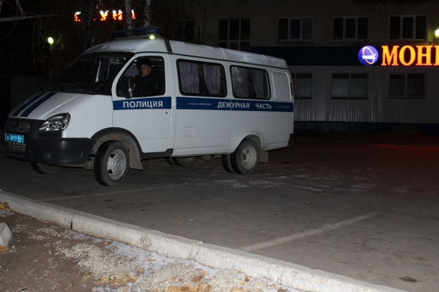 Полиция устанавливает причину гибели трех человек при пожаре в Реже