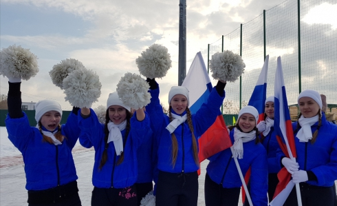 В поселке Новосинеглазово построили стадион