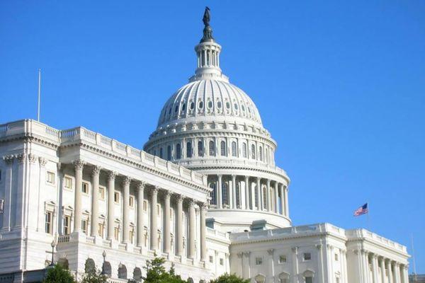 Съезд США утвердил оборонный бюджет страны на2018 денежный год