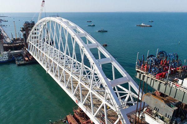 Россияне выберут название моста в Крым путем голосования