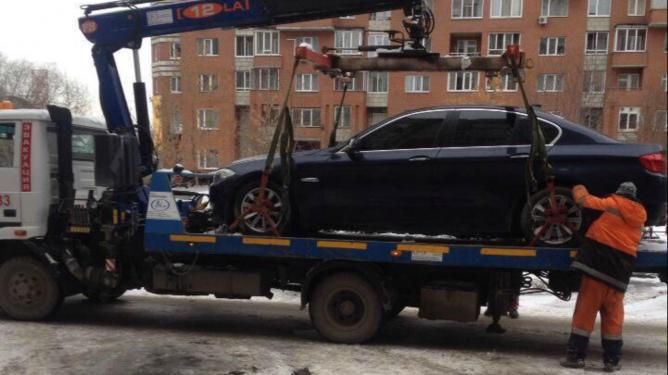 ВЕкатеринбурге задолги арестовали машину консула Сейшельских островов