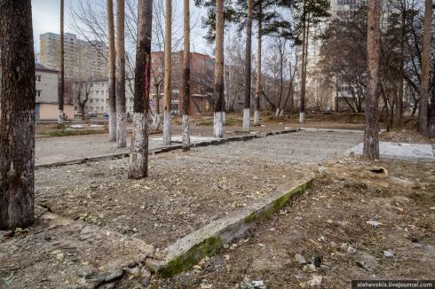 В Екатеринбурге снесли незаконное кафе