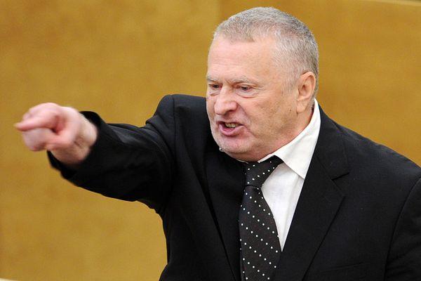 Жириновский советует ввести почетное звание для чиновников