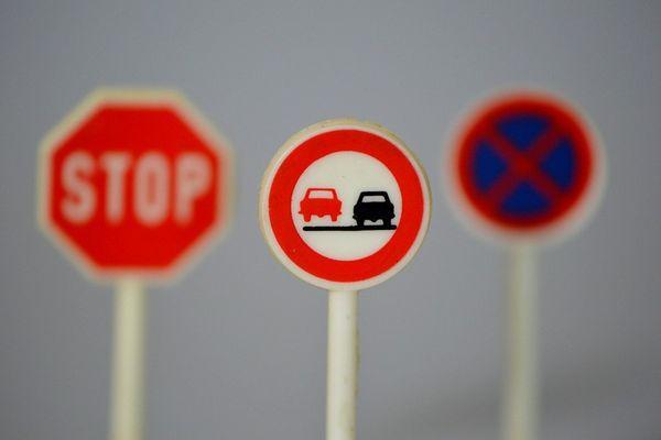 На русских трассах появятся новые знаки итаблички
