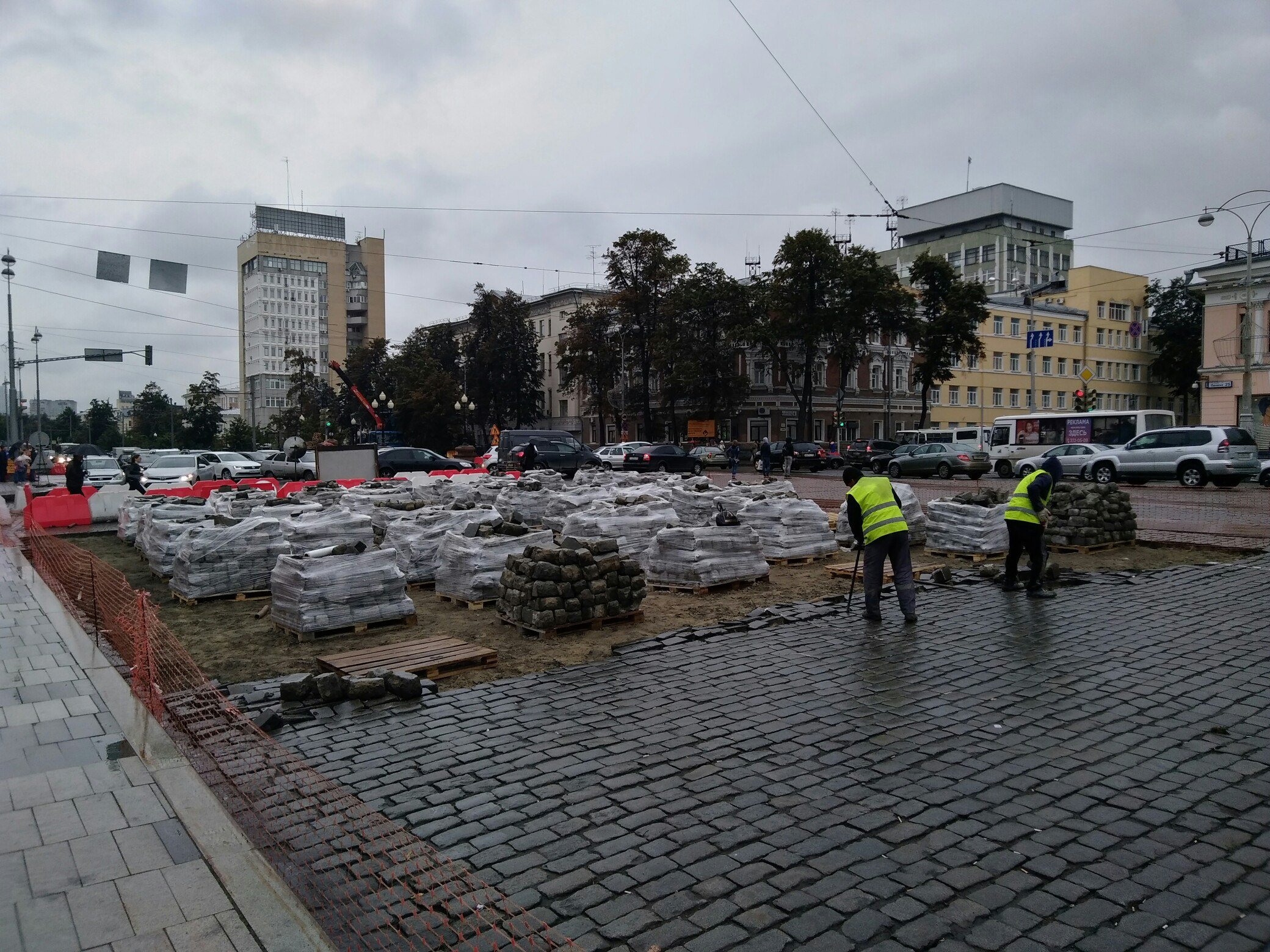 Намэрию Екатеринбурга подадут всуд из-за брусчатки