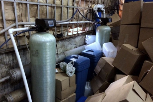 В Камышлове оперативники ФСБ накрыли крупный склад алкогольного контрафакта