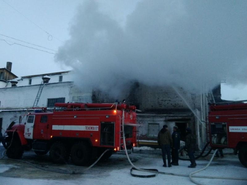 Пожар  произошел нацеллюлозно-бумажном комбинате вСвердловской области, пострадавших нет