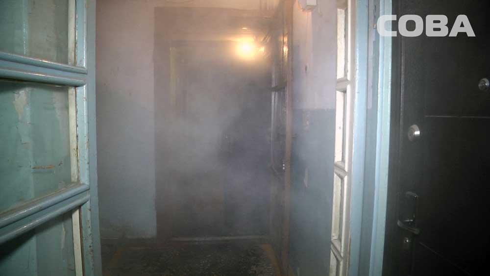 Ночью на Химмаше сгорела квартира в пятиэтажке