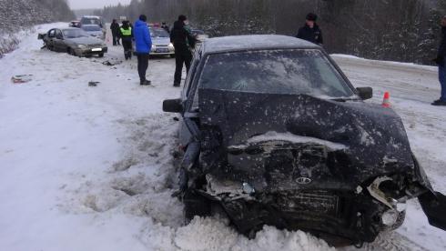 ГИБДД закрыла одну из свердловских трасс из-за плохого состояния проезжей части