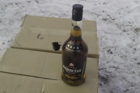 Зауральские полицейские поймали жителя Сургута на перевозке нелегального алкоголя