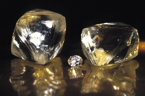 ВЯкутии отыскали два уникальных больших алмаза