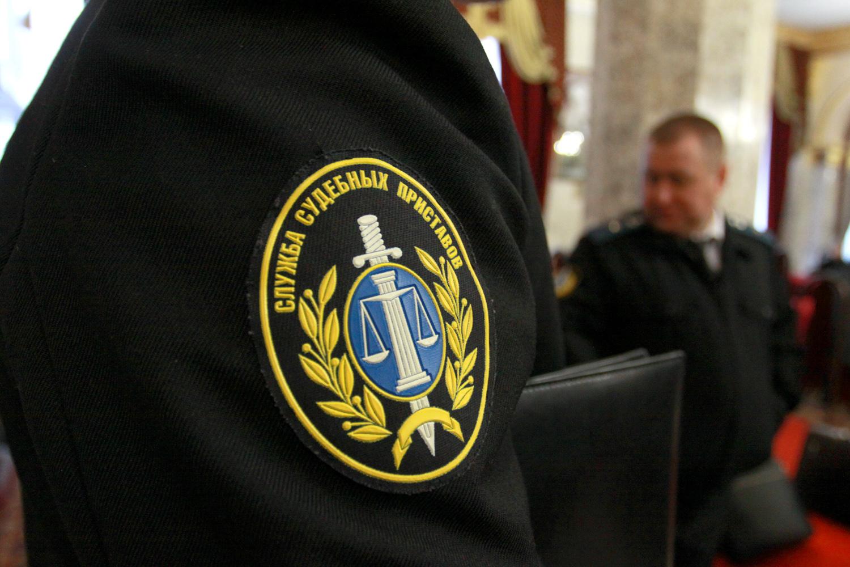 Мужчина попытался пронести пистолет в строение суда вЕкатеринбурге