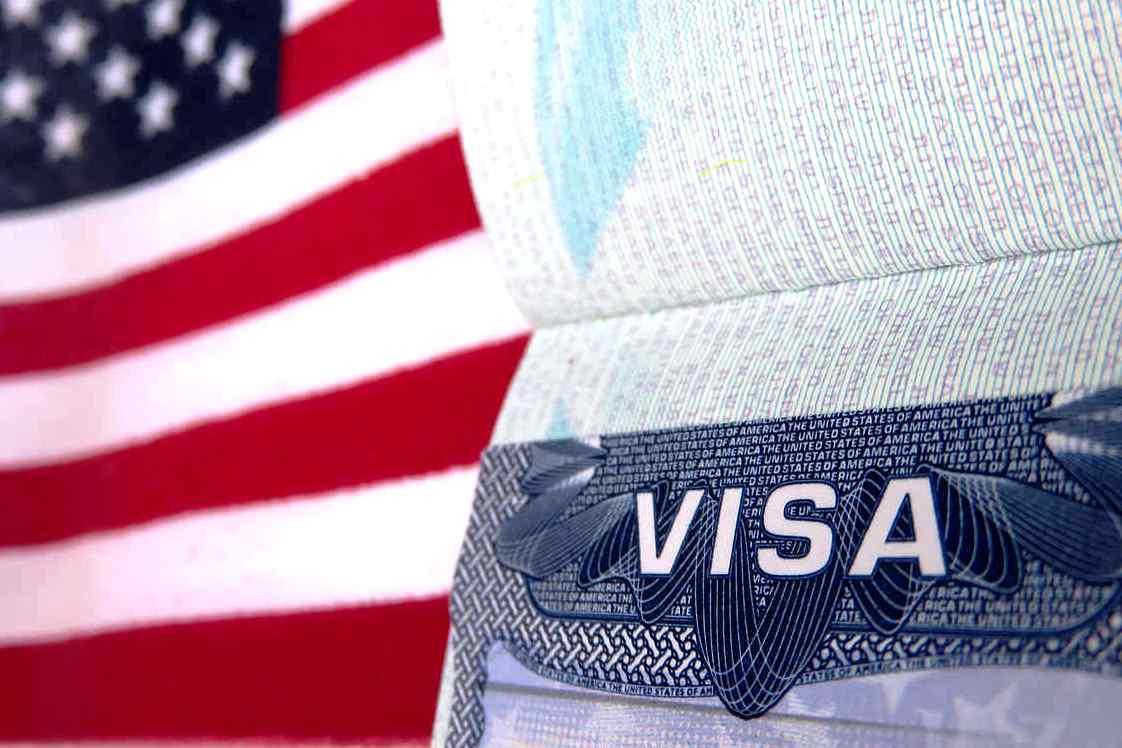 Генконсульство США вЕкатеринбурге сократит выдачу виз