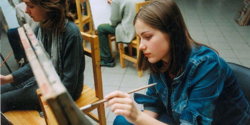 НаУрале школьницу обвинили внезаконной агитации зарисунок Грудинина