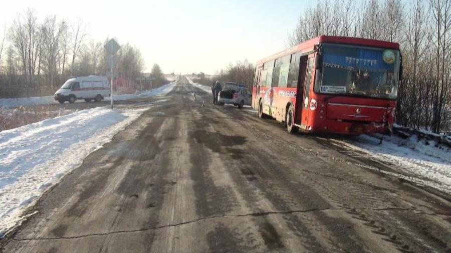 ГИБДД: сводка происшествий на территории Свердловской области за 12 марта 2018 года