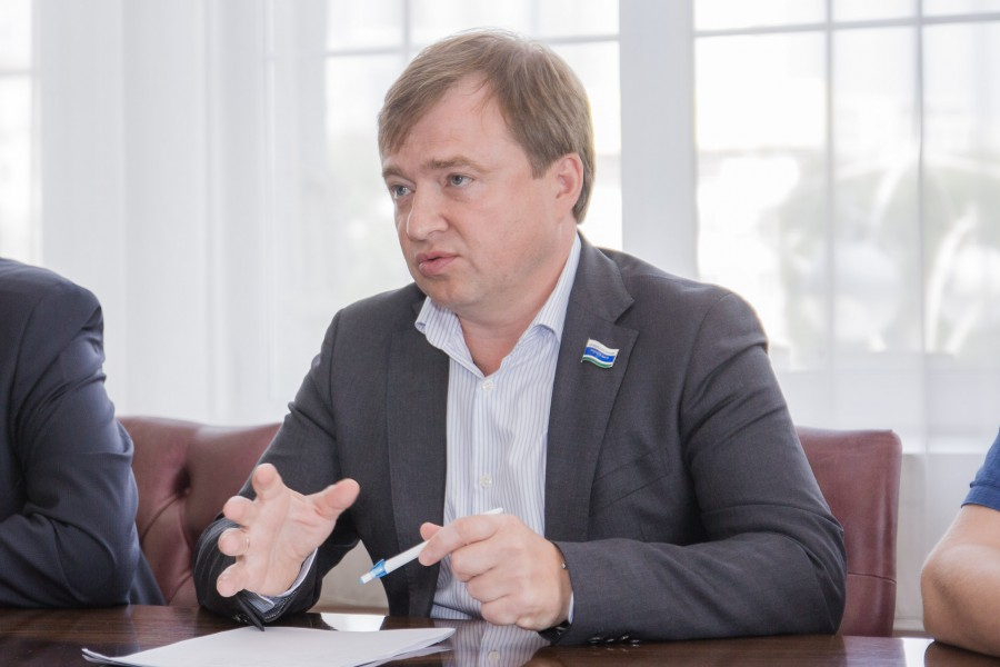 Депутат Государственной думы отСреднего Урала предложил чипировать мигрантов