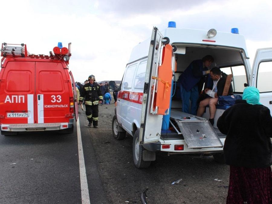 Спешка со скоростью 140 км/ч унесла жизни троих южноуральцев, ещё шестерых отправила на больничную койку, среди погибших и раненых — дети