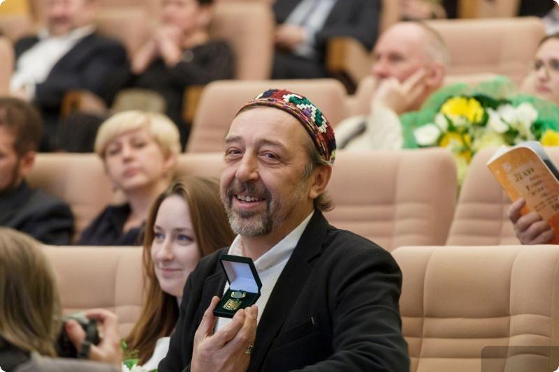 ВСвердловской области вручили премии губернатора задостижения влитературе иискусстве