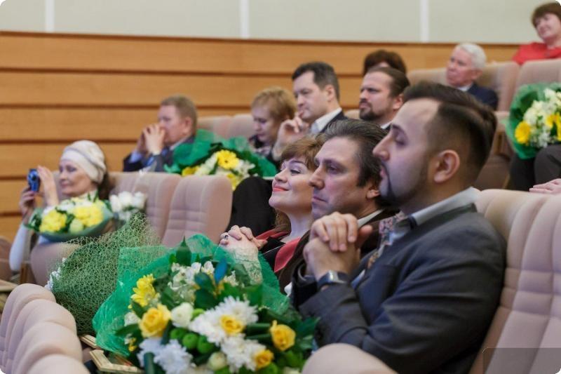 В Екатеринбурге вручили премии за достижения в области литературы и искусства