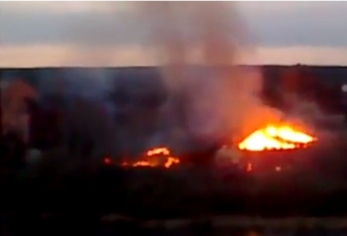 В Арамиле горит цех по производству бумаги