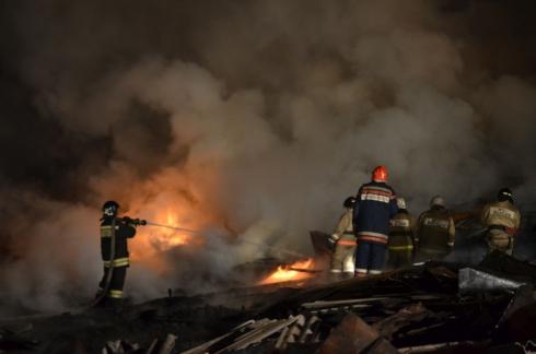 В Арамиле потушили пожар в цехе по производству бумаги