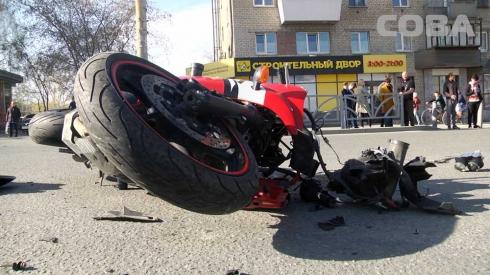 В ДТП на Щорса погиб мотоциклист