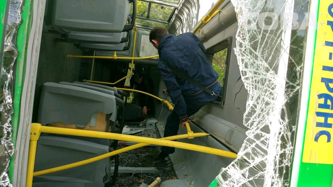 В ДТП на Сибирском тракте пострадали 24 человека