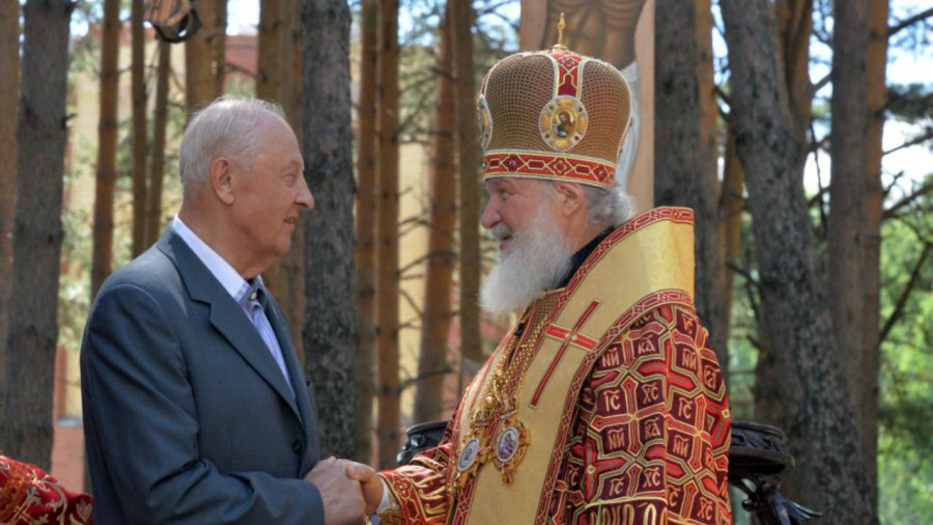 ВАлапаевске патриарх посетил места мученичества родственников последнего императора