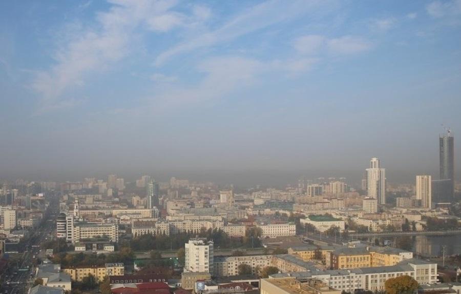 В Свердловской области сухо, жарко, но действует предупреждение о смоге