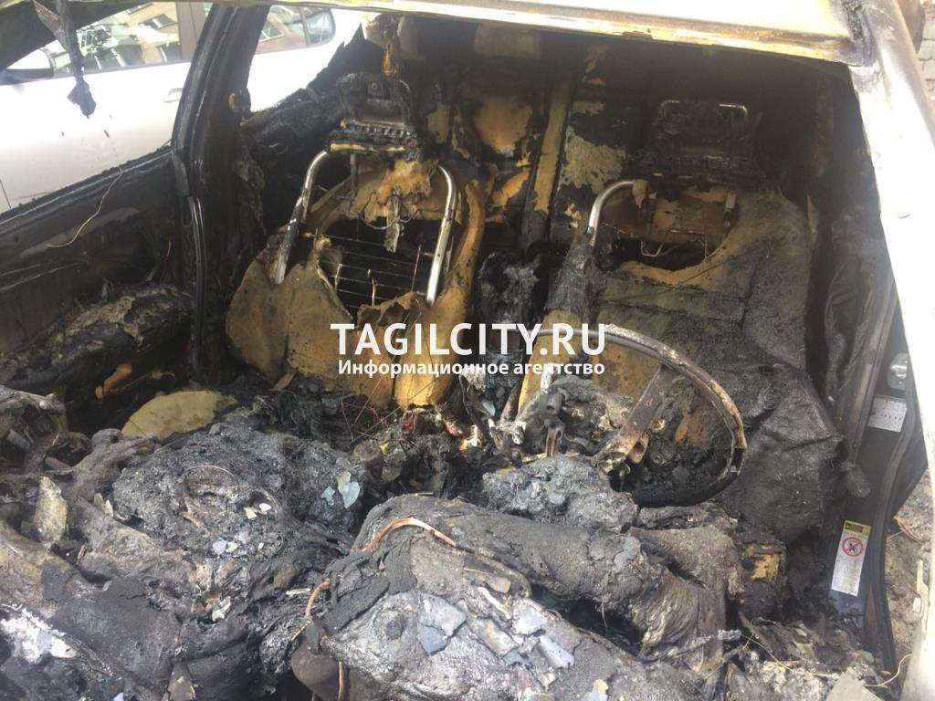 Ночью в Нижнем Тагиле сожгли Toyota Avensis