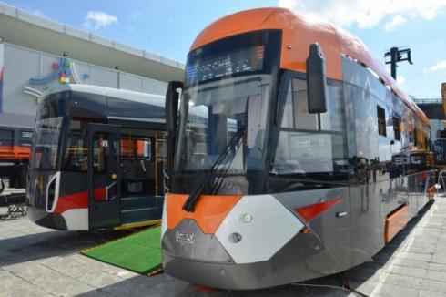 Евгений Куйвашев рекомендует мэрии Екатеринбурга закупить новые трамваи Уралвагонзавода