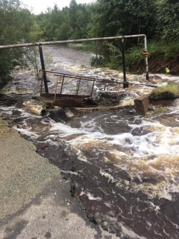В Кировграде из-за проливных дождей смыло мост и размыло дороги
