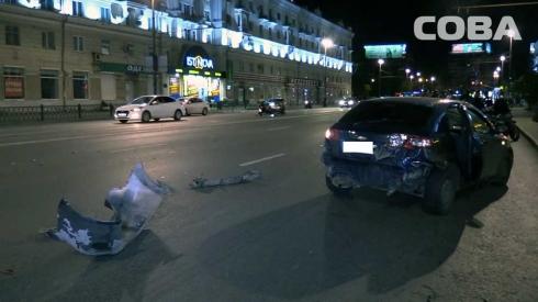 На перекрестке Свердлова – Азина произошло ДТП с мотоциклом