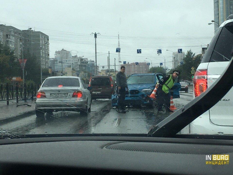 В Екатеринбурге дождь стал причиной нескольких ДТП