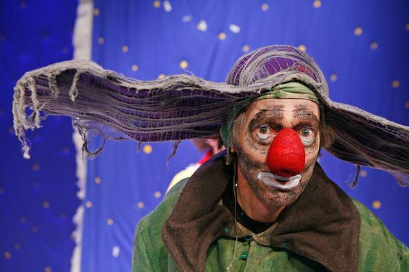 Лечимся «снегом»: чем шоу Полунина заменяет курс психотерапии
