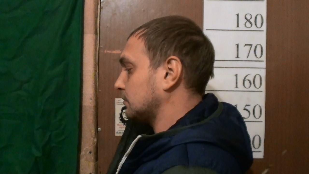 Задержан хулиган, стрелявший из окна дома на Викулова