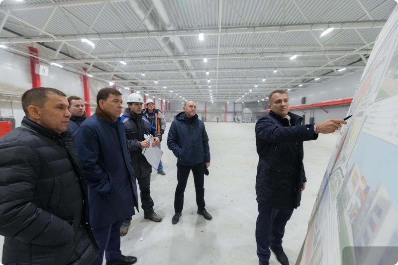 Евгений Куйвашев побывал на стройке ледовой арены «Авто» в Екатеринбурге
