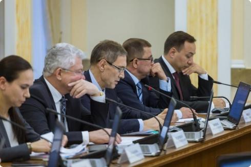 Евгений Куйвашев поручил к 2020 году создать необходимое количество мест в детских садах