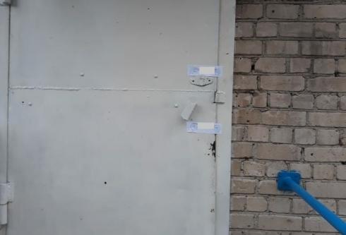 В Каменске-Уральском закрыли магазин, где продукты хранили прямо в туалете