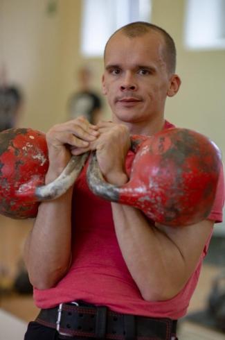 Свердловский пожарный дознаватель стал чемпионом мира по гиревому спорту