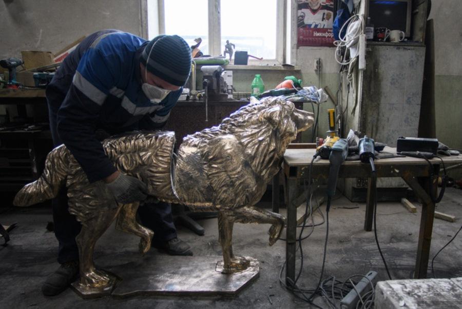 В Челябинске открыли памятник уральскому Хатико, изготовленный екатеринбургскими мастерами
