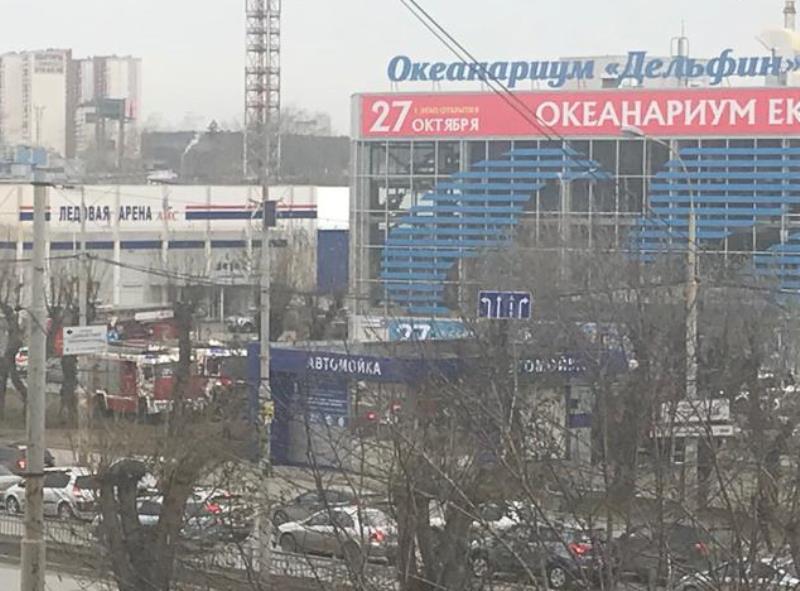 Из-за сработавшей сигнализации из кинотеатра на Щербакова эвакуировали 99 человек