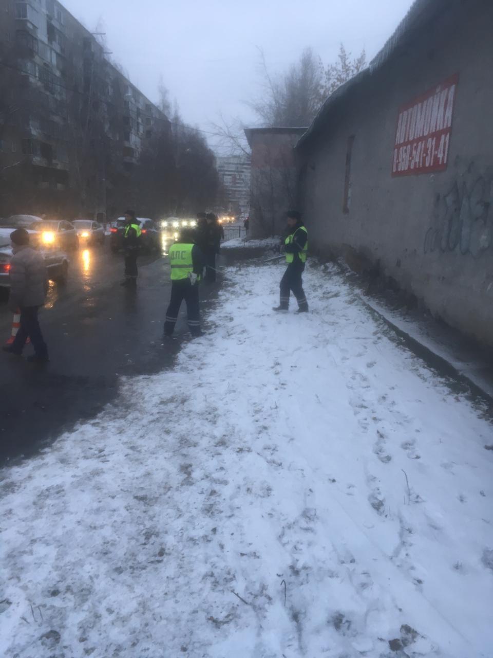 На улице Советской троллейбус сбил 16-летнюю девушку