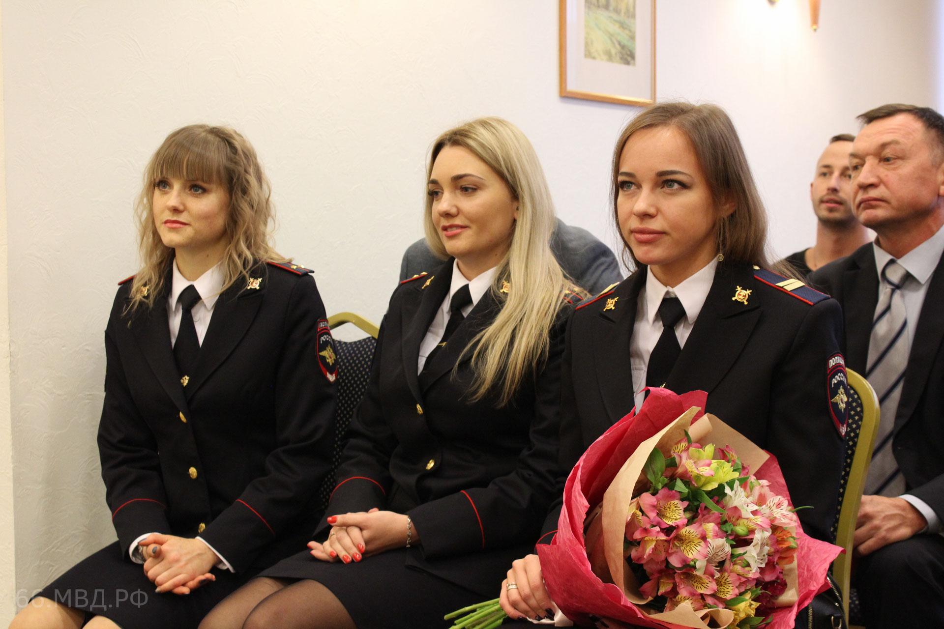 На Урале выбрали самых красивых сотрудниц полиции