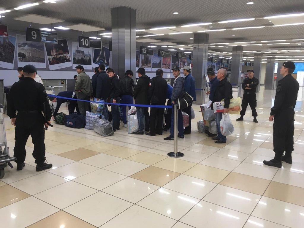 ИзСвердловской области выдворили 86 мигрантов