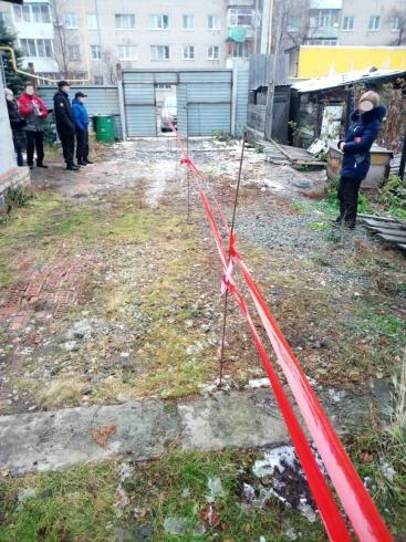 На улице Колхозников по решению суда демонтировали забор