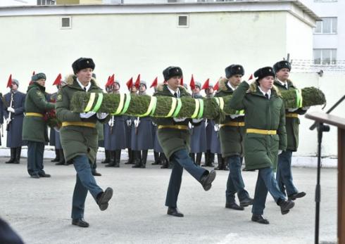 В столице Урала установили памятник Герою Советского Союза Владимиру Пикалову