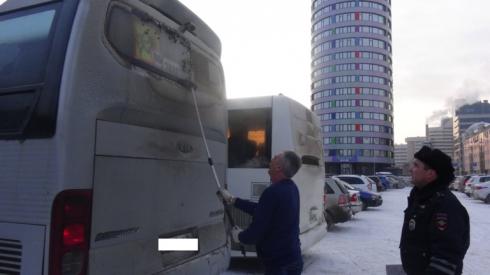 ГИБДД выявила в Свердловской области более 200 неисправных автобусов