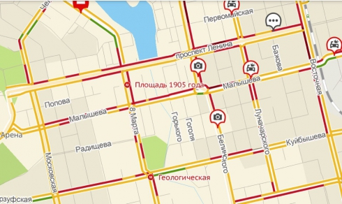 Город встал: в Екатеринбурге девятибалльные пробки на дорогах